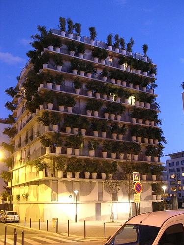 Eco concept l immeuble v g tal parisien tower flower greeninked - Immeuble vegetal ...